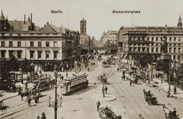 Φωτογραφία της Αλεξάντερπλατς το 1903