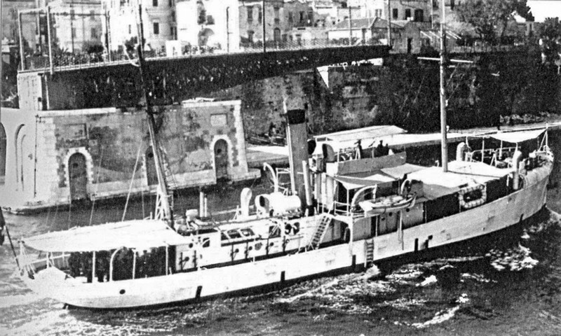 01.-PELLEGRINO-MATTEUCCI-Matteucci-late-1930s-in-Taranto-Archivio-Maurizio-Brescia