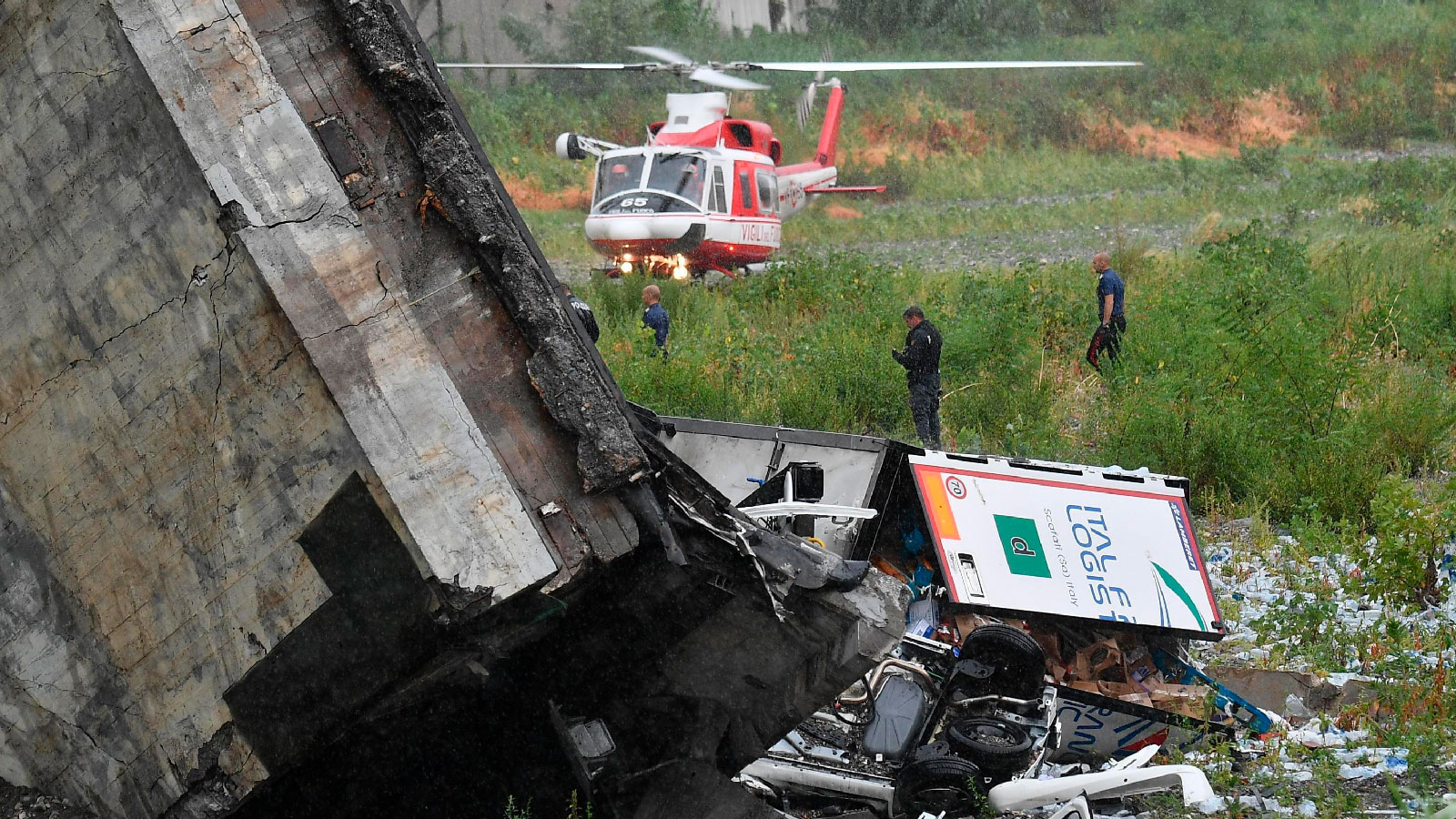italy-highway-collapse-05