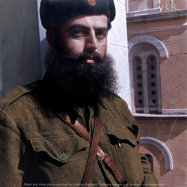 Dmitri Kessel, 29 Οκτωβρίου 1944, Λαμία, ο μαυροσκούφης σωματοφύλακας του Άρη Βελουχιώτη Κωστούλας Αγραφιώτης (Κώστας Καβρεντζής)