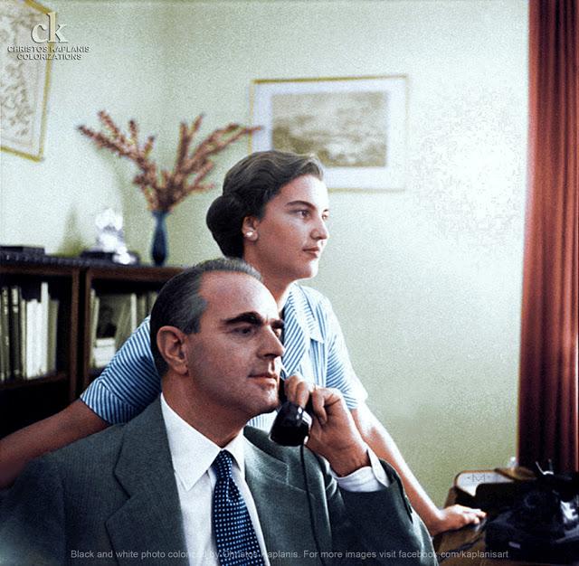 Horst P. Horst, 15 Οκτωβρίου 1955, ο νεοδιορισμένος Πρωθυπουργός Κωνσταντίνος Καραμανλής στο σπίτι του με την σύζυγό του Αμαλία.