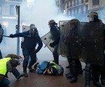 france-protests-7