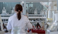 laboratory-2815641_1920_0