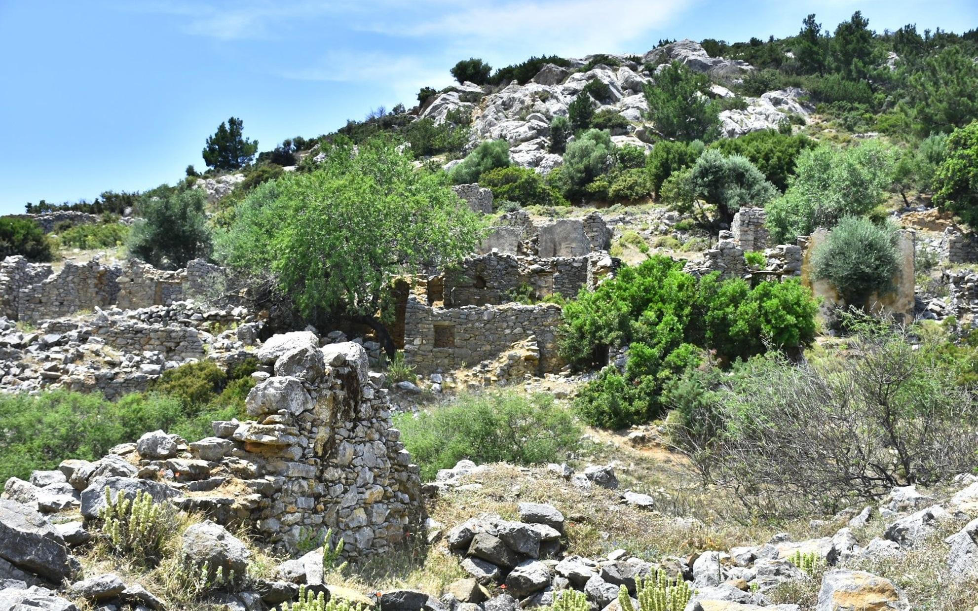 Στα_ερείπια_του_ελληνισμού