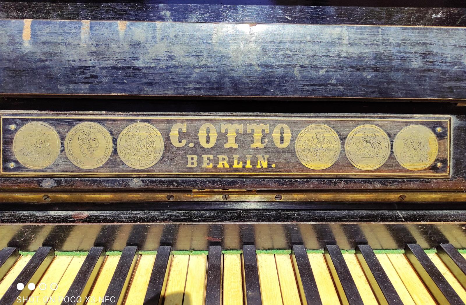 2_piano_C_Otto_Lefkada